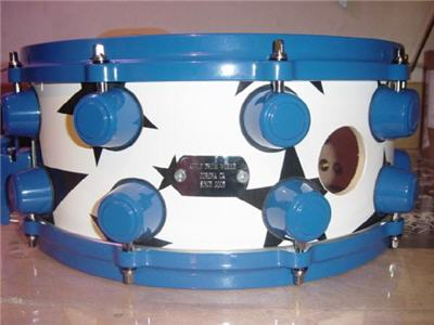 blue and white maple snare